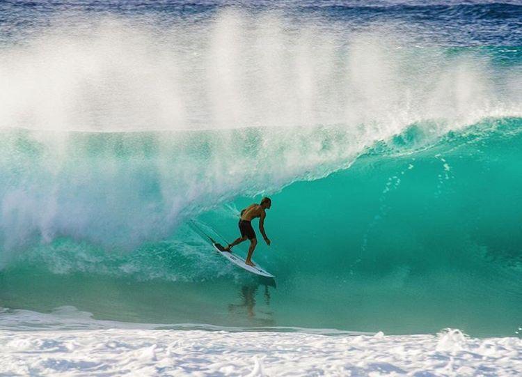 Pin By Sedona Baldwin On Koa Smith Pinterest - Surfing inside 27 second long barrel wave