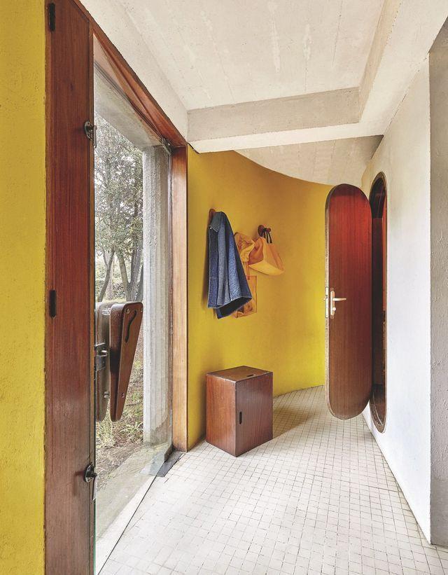 Maison de famille color e r alis e par un architecte maison de r ve par c t maison maison - Salle de bain charlotte perriand ...