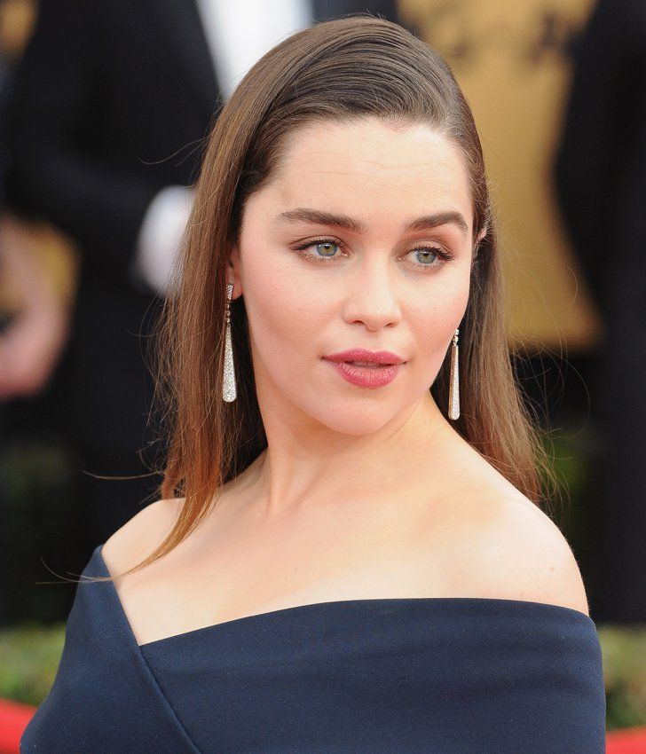 Pin for Later: The Jewels at the SAG Awards Will Sprinkle Some Sparkle on Your Day  Emilia Clarke's long Cartier drop earrings complemented her sleek red carpet look.