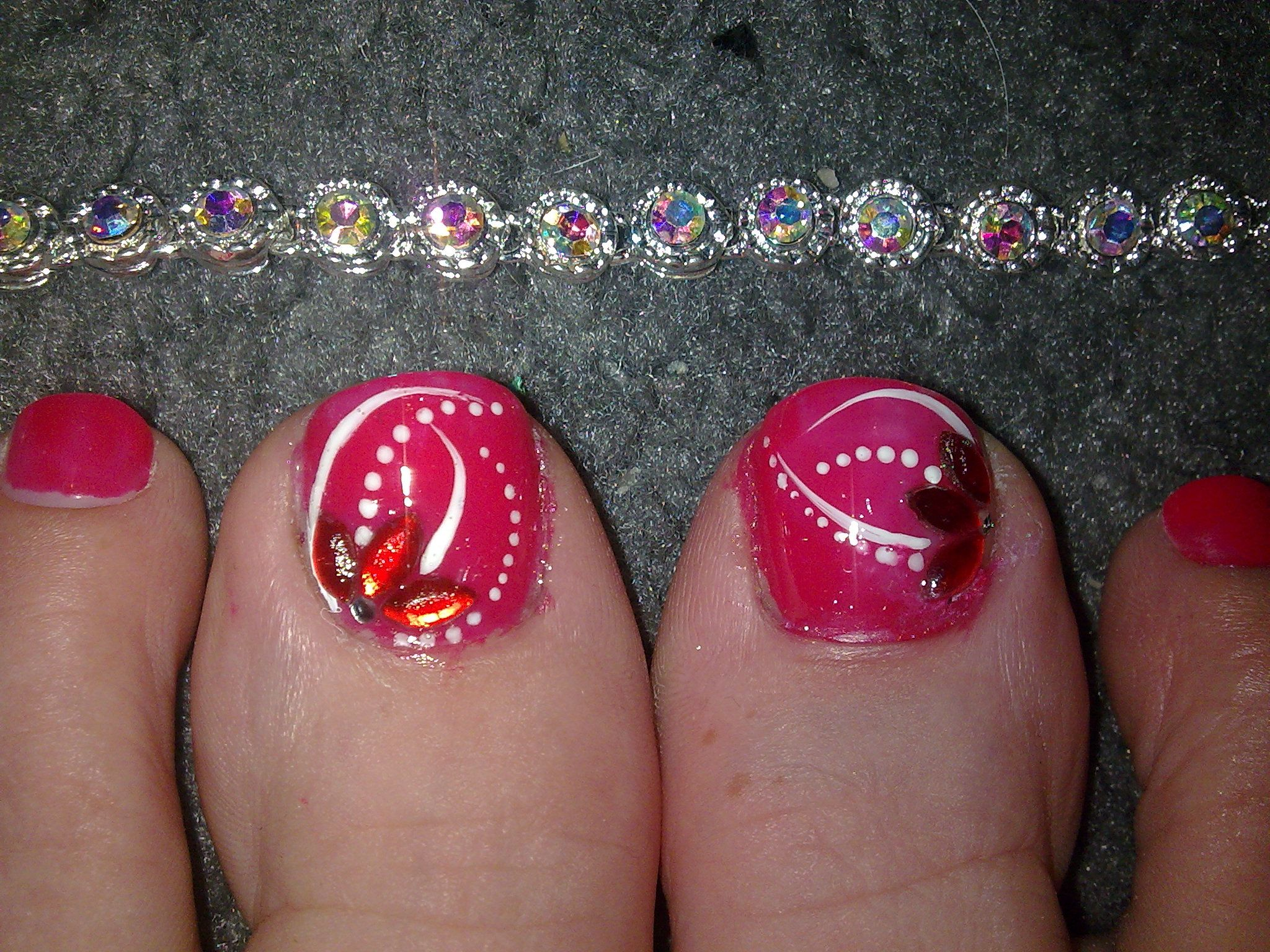 Basic Art Designs : Floral nail art designs toes with flower gem and white
