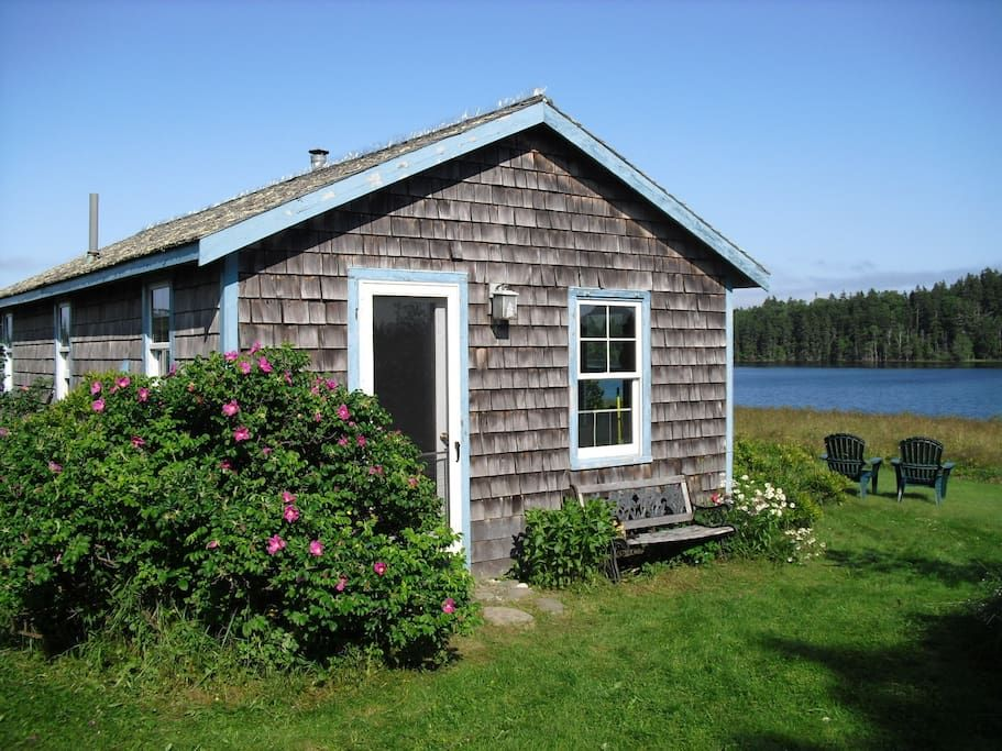 Entire homeapt in north haven us meadow house is a