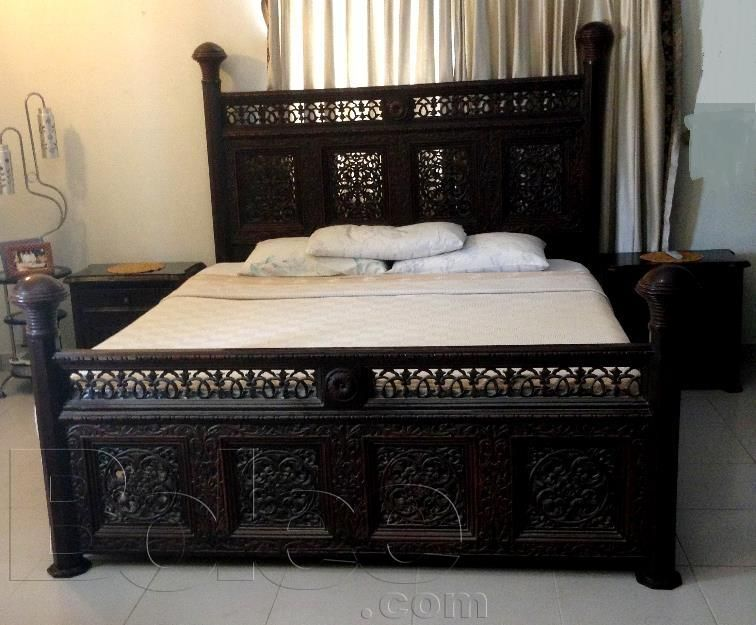 Pictures of original chiniot bedroom set sheesham wood for for Bed room design pakistan