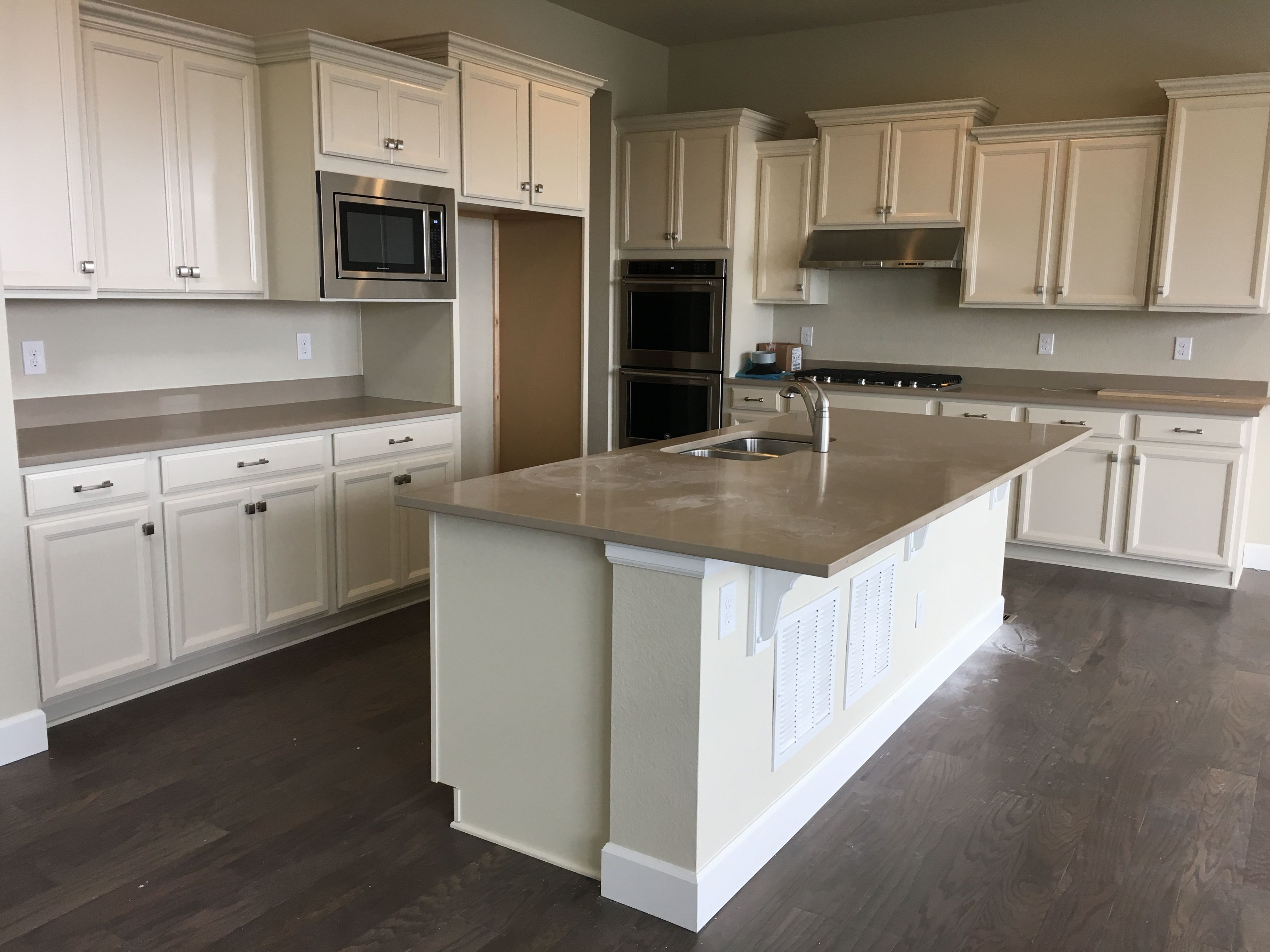 Best Timberlake Tahoe Silk Cabinets With Quartz Ctop Kitchen 640 x 480