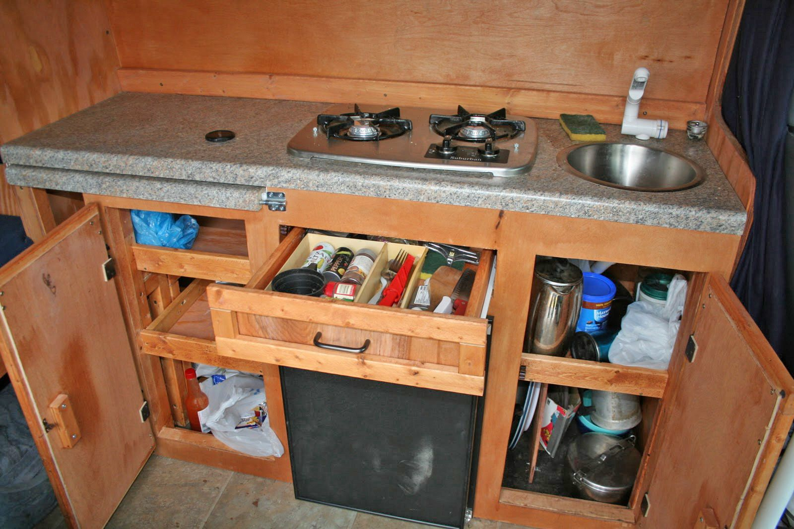 Simple but very functional kitchen in mike williams 39 diy for Campervan kitchen ideas