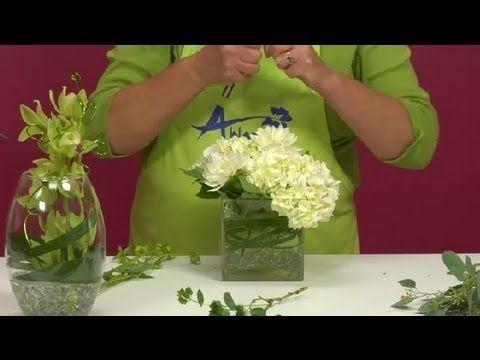 How To Make Simple U0026 Elegant Wedding Centerpieces : Wedding Flower Ideas