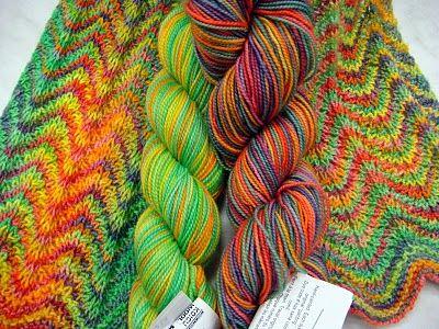 Koigu zig zag sjaal / scarf. WOW! | Yarn inspiration ...