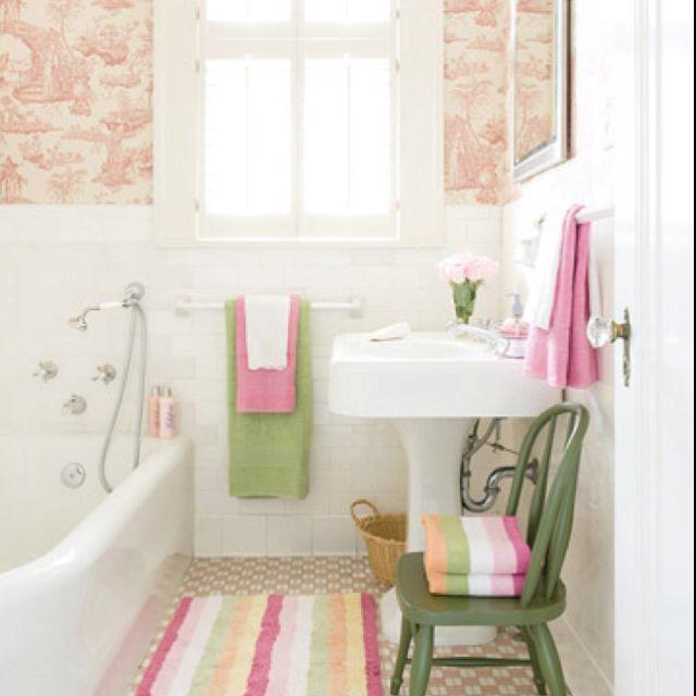 Pink And Green Bathroom Since We Re Stuck With Peach Tub Toilet Small Bathroom Decor Bathroom Design Small Small Bathroom Design