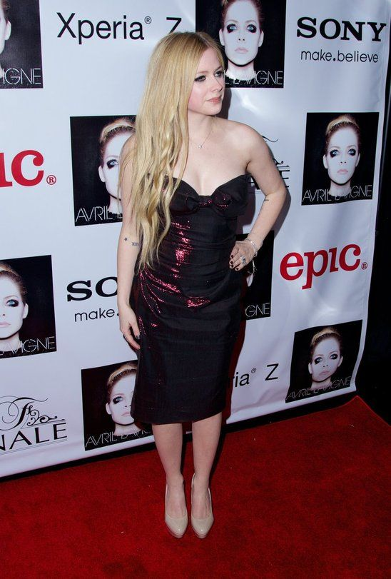 Avril Lavigne At The Red Carpet On Her Release Party! - Posh24