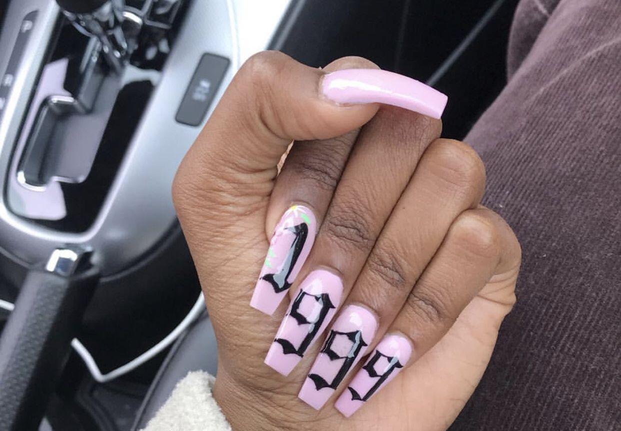 Pin By Ownderw0kka On Nails Birthday Nails 21st Birthday Nails Nails