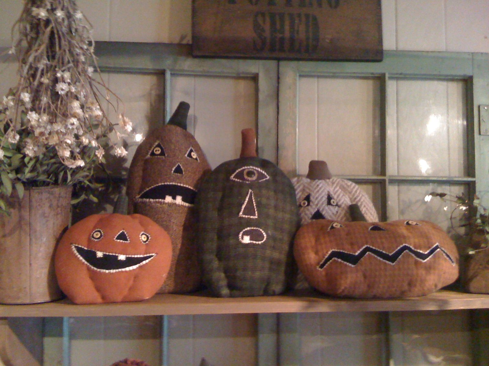 Primitive Decorating Blogs Decorating Ideas With Goodwivesco - Primitive Halloween Decor