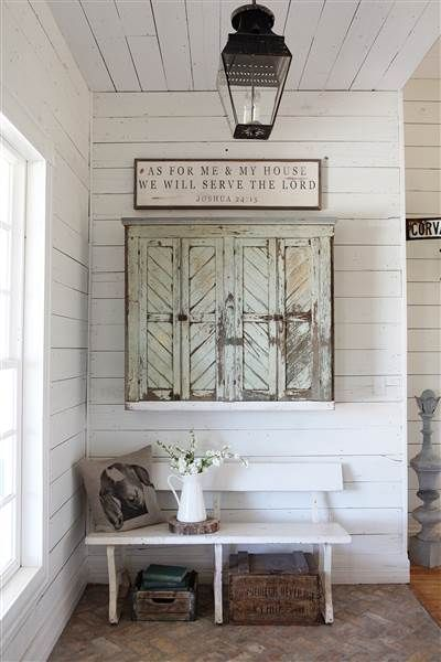 Tour Chip And Joanna Gaines Very Own Fixer Upper Farmhouse Farmhouse Wall Decor Porch Wall Decor Magnolia Homes