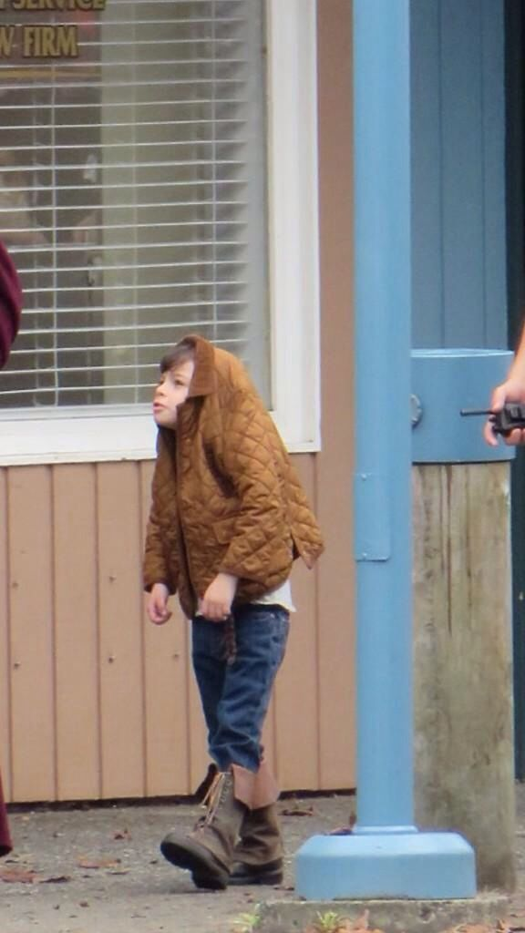 And the award of cutest kid on set goes to..... Raphael is so adorable! #OUAT