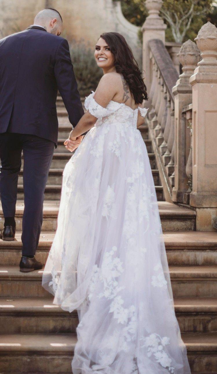 Madi Lane Elora Used Wedding Dress Wedding Dresses Wedding Dress Styles Used Wedding Dresses [ 1293 x 750 Pixel ]