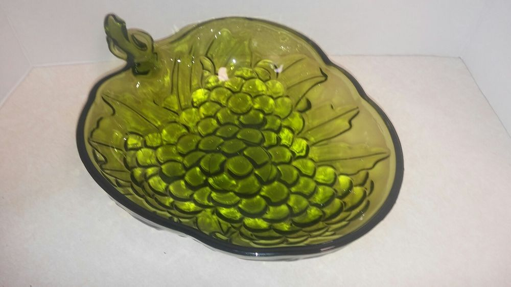 Vintage Indiana Glass Serving Bowl Green Glass Grapes Shape And Pattern Green Glass Bowls Bowl Vintage Dishes