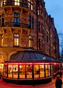 Riche - An old classic and always well populated bar and restaurant. Brasserie style with classic nice high end food - Stockholm