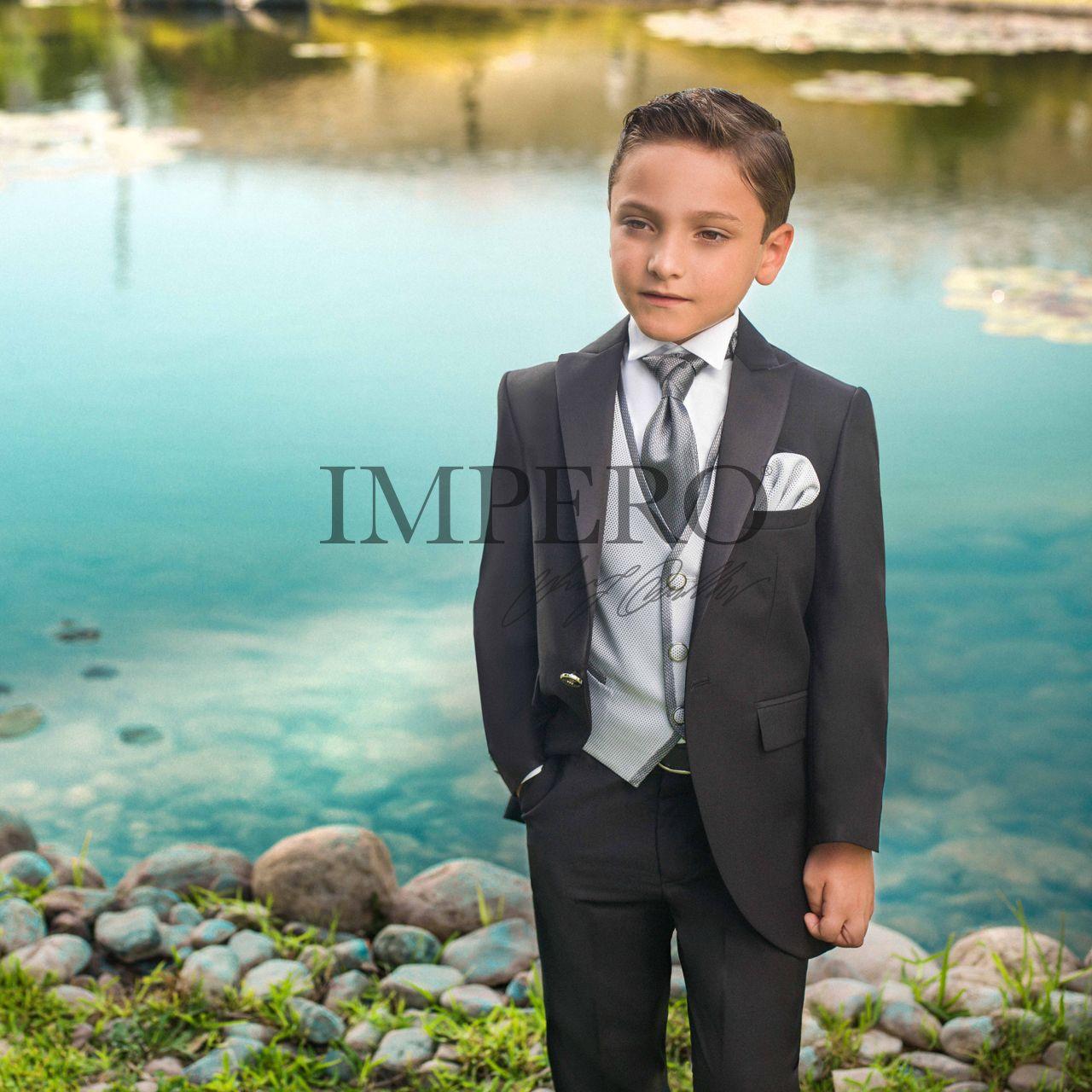 Modern Gray Wedding Tuxedos Crest - Wedding Dress - googeb.com