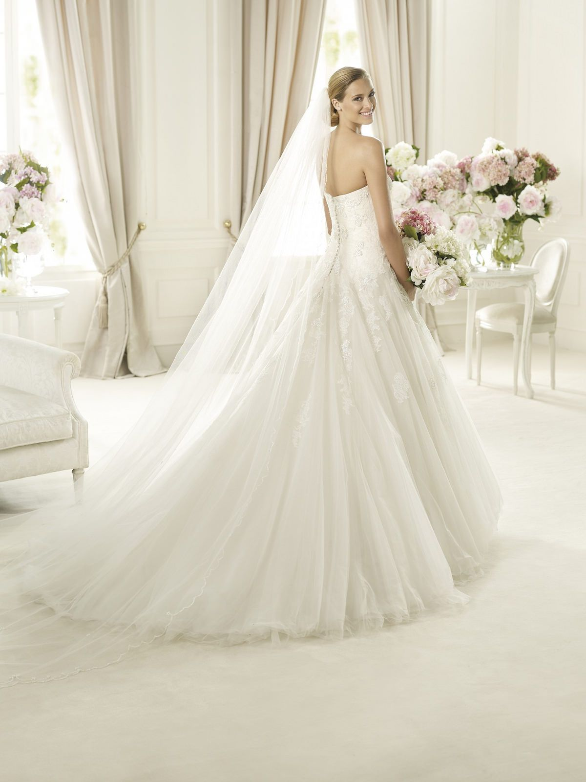Trouwjurken wedding dress wedding and wedding premier stockists of pronovias wedding dresses with a vast collection of samples to try in our boutique and the option to borrow directly from pronovias ombrellifo Images