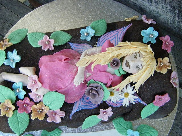 Fairy Cake by Lisa Templeton, via Flickr