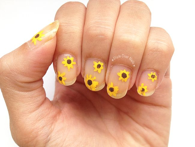 Sunflowers Nail Art / Day 14 of #31DC2015 - Flowers nails - Sunflowers Nail Art Pinterest Sunflower Nail Art, Sunflower