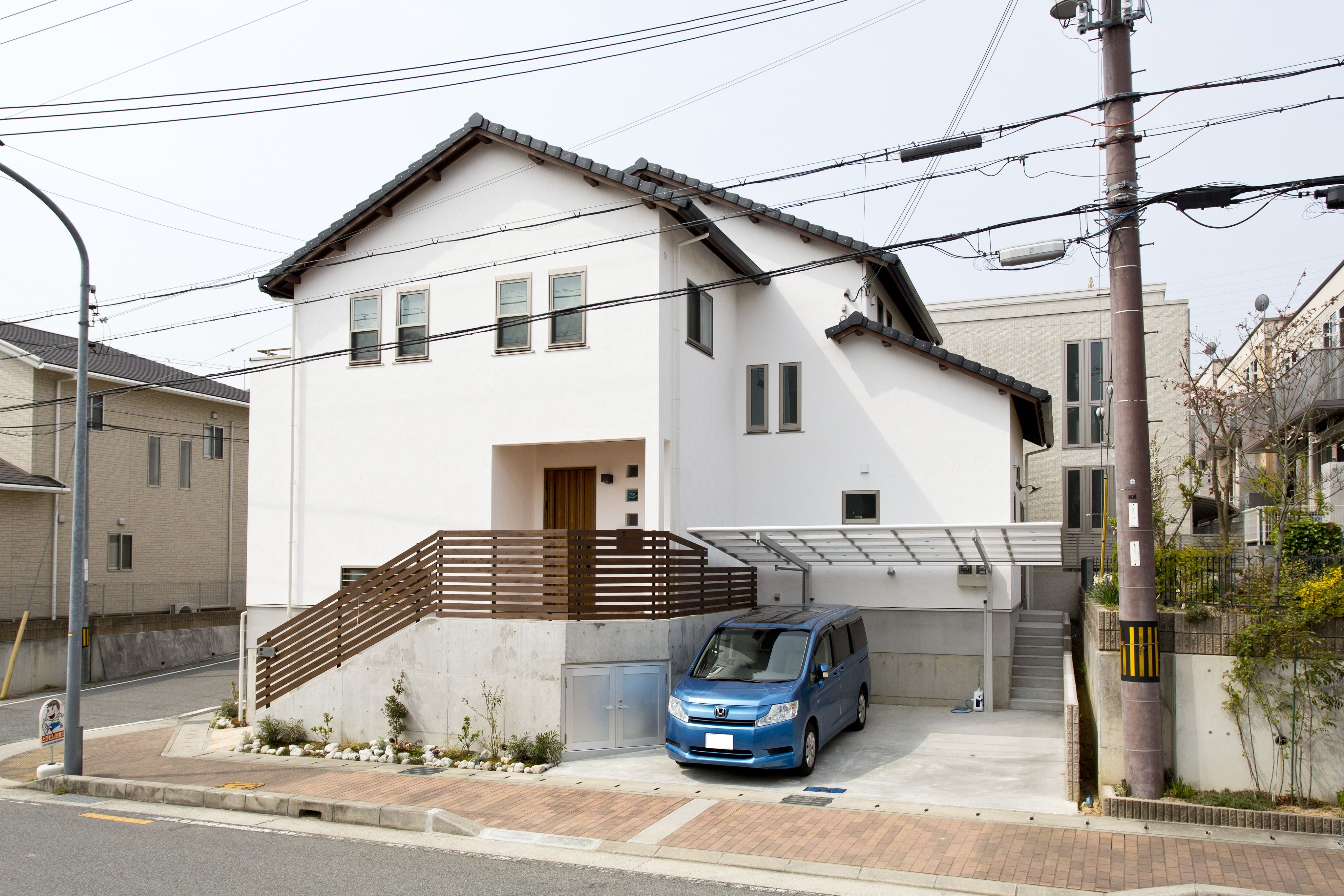 ケース104広々と開け放って暮らせる明るいお家 住宅 外観 瓦屋根