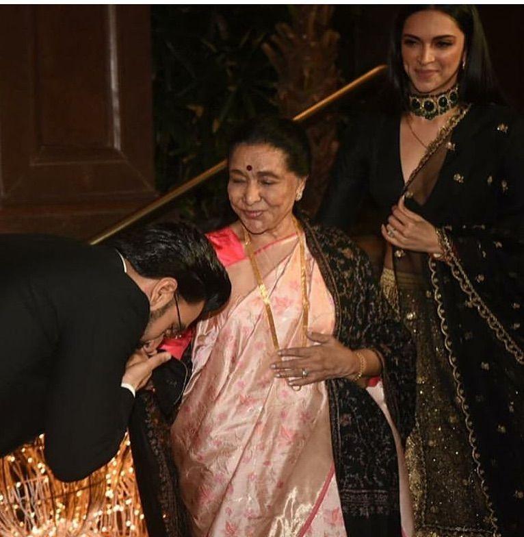 When Deepika Padukone And Ranveer Singh Met The Legendary Asha Bhosle It Was A Sight To Behold Hungryboo Deepika Padukone Ranveer Singh Asha Bhosle