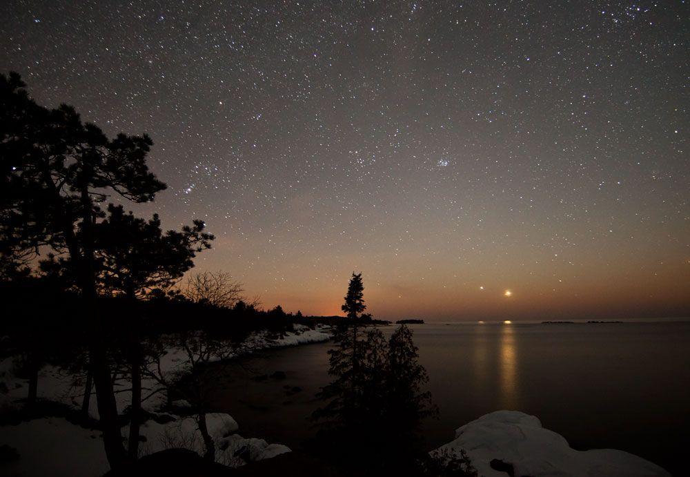 Bright Lights In The Evening Sky Spot Venus Jupiter Tonight Night Sky Tonight Evening Sky Brightest Planet