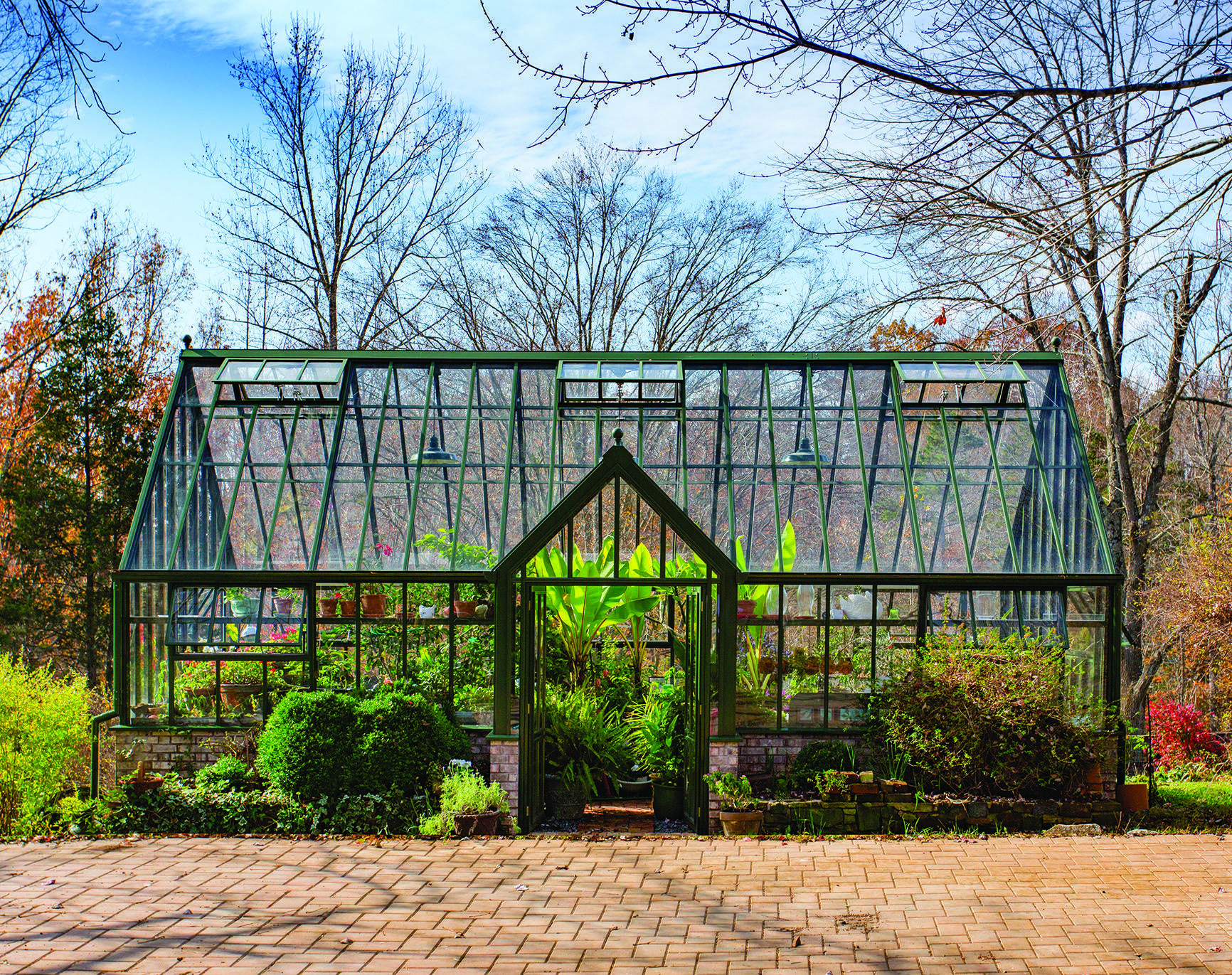 A Victorian Manor glasshouse by Hartley Botanic, in Forest G…