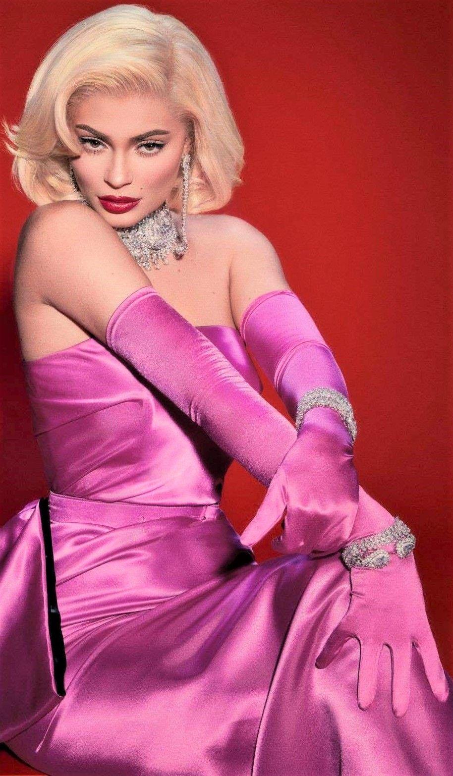 Kylie Jenner Celebrity dresses, Marilyn monroe dress