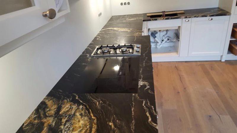 Aufmaß, Lieferung und Montage der #Arbeitsplatten aus #Granit - arbeitsplatten granit küche