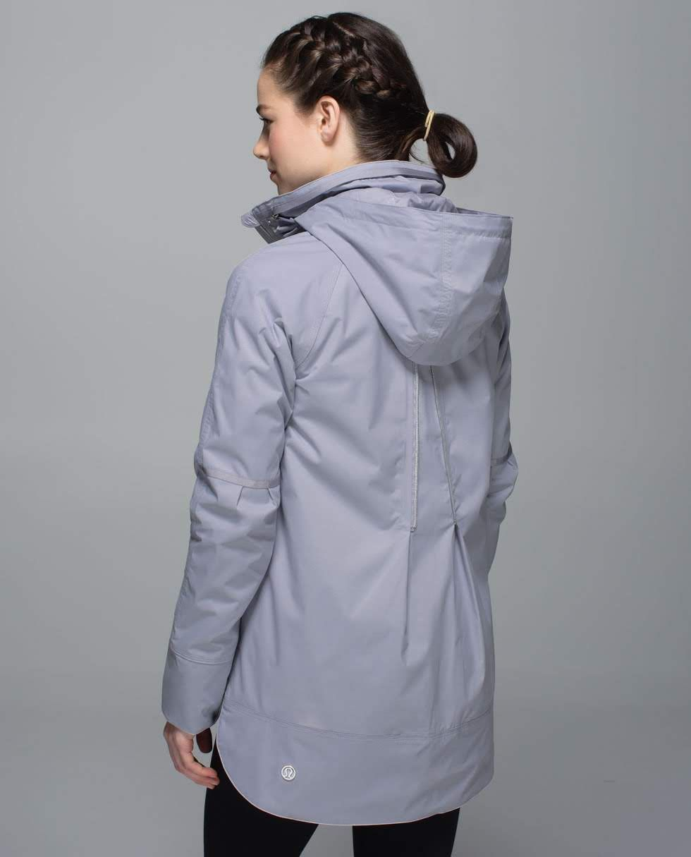 Fo Drizzle Jacket Women S Outerwear Lululemon Athletica Outerwear Women Womens Workout Outfits Clothes [ 1215 x 980 Pixel ]