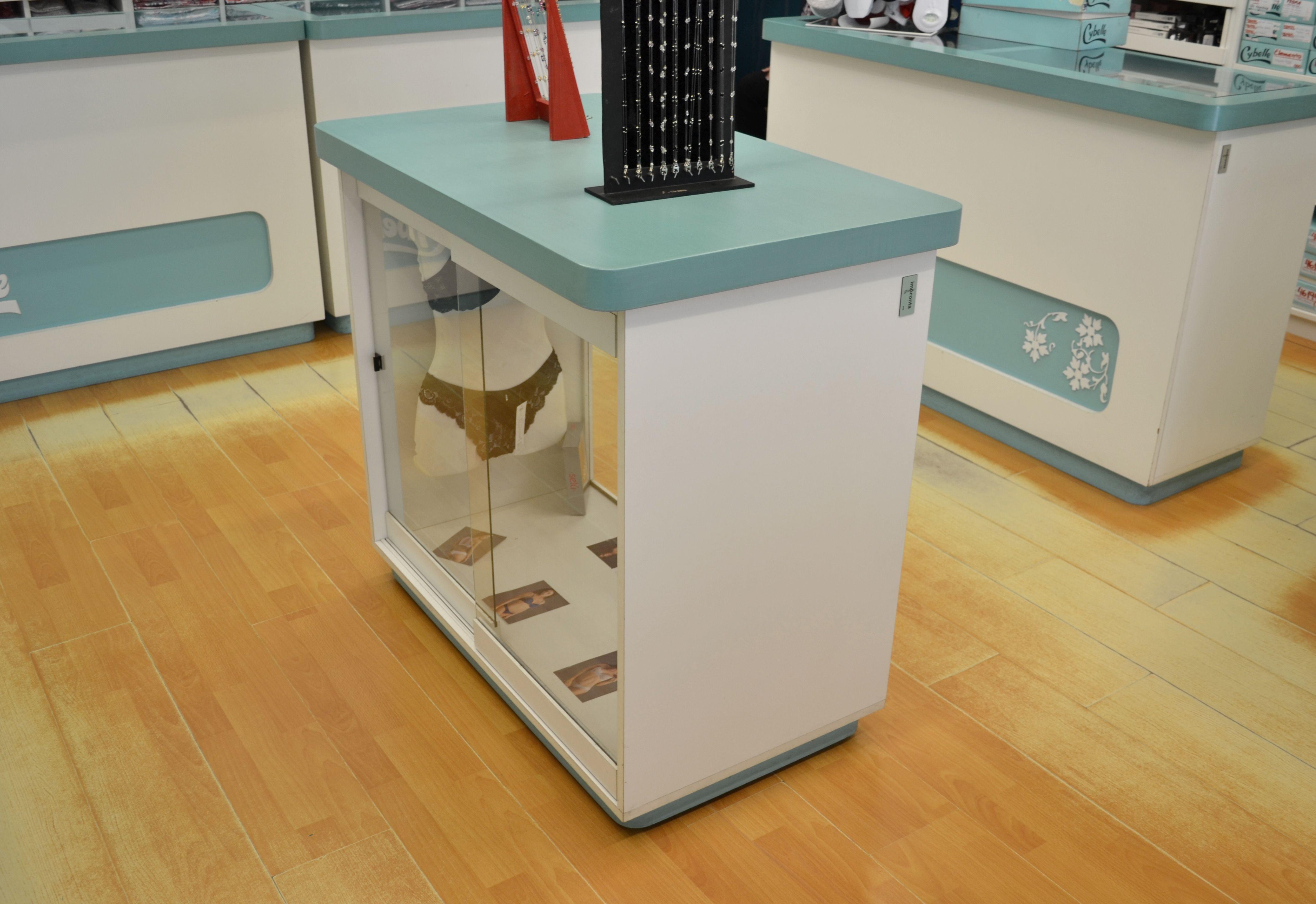 Diseño de #mobiliario para #lencería. #Mostradores de #venta ...