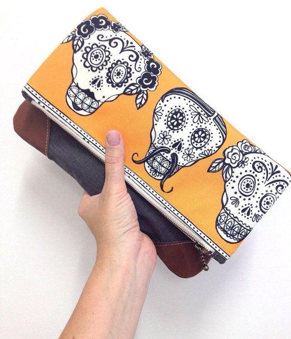 Fold over clutch purse. Sugar skulls Day of the di handmadebymegs