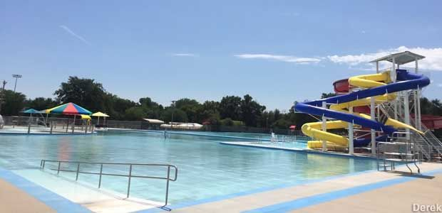 Garden City Ks World S Largest Outdoor Municipal Concrete Swimming Pool Concrete Swimming Pool Swimming Pools Garden City