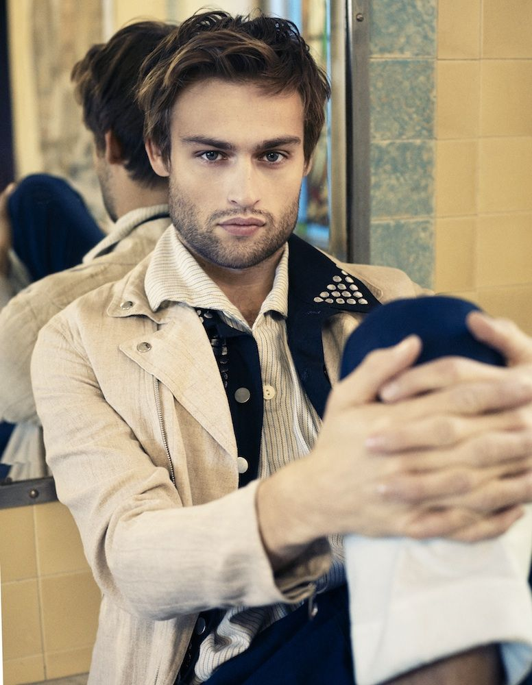 Douglas Booth Connects...