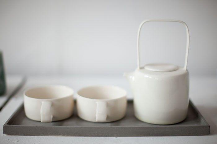 A Rustic Potter In Ireland Remodelista Ceramic Tea Set Tea Sets Modern Ceramic Tableware