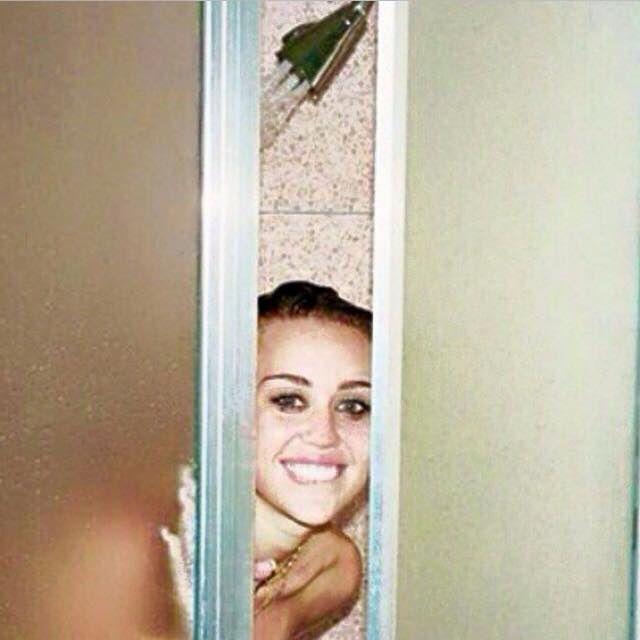 Miley Cyrus Nude And Lingerie Selfie Video - NuCelebs.com