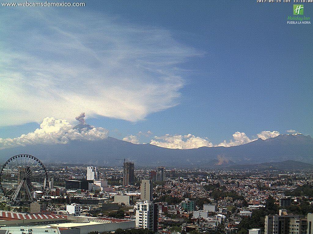 El Volcán Popocatepetl tuvo una leve explosión justo durante el ...