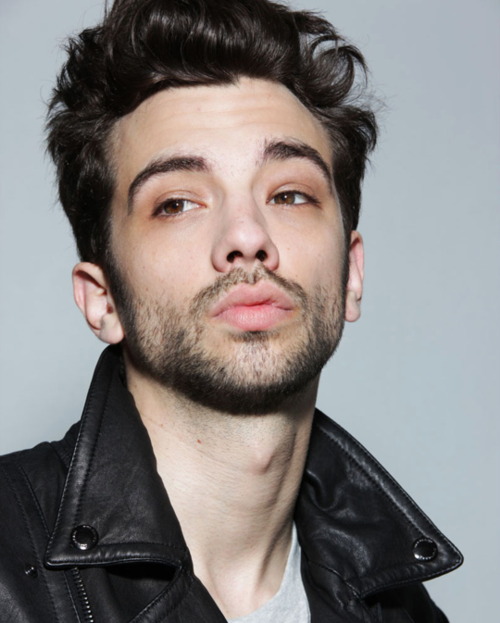 Jay Baruchel - Bio, Facts, Family | Famous Birthdays |Jay Baruchel