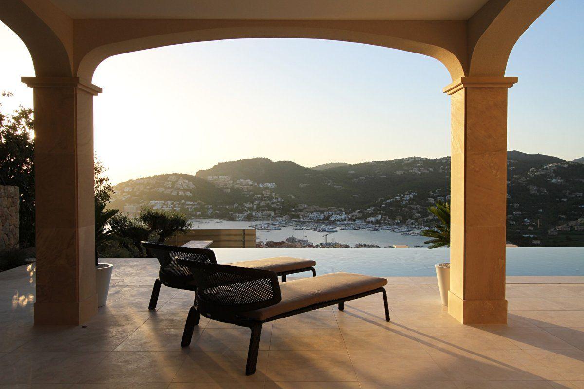 Mallorcan villa by curve interior