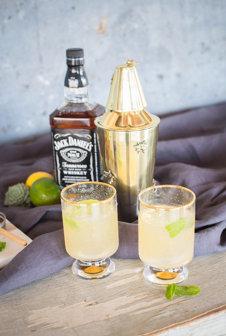 Whiskey Lemonade A Sweet Signature Drink for Your