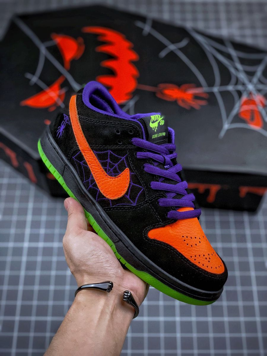 Nike Cspace Sb Dunk Night Of Mischief Low In 2020 Nike Sneakers Nike Nike Shoes
