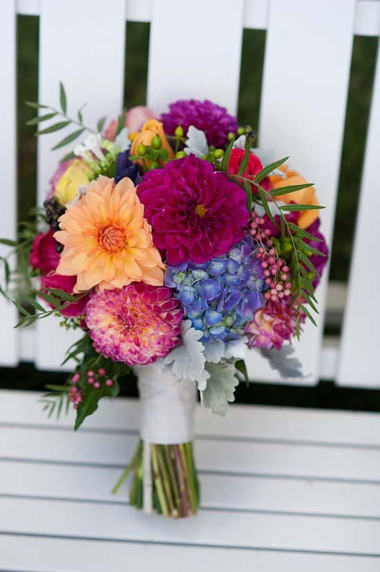 Rhiannon And Ben S Colourful Geelong Wedding Wedding Flower Inspiration Diy Wedding Flowers Flower Bouquet Wedding