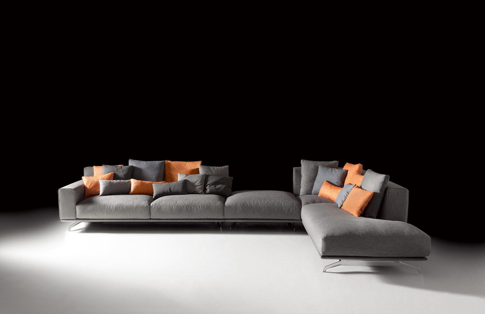 Divani Tre Posti Ad Angolo.Soggiorno Tre Soluzioni Per Il Divano Home Home Decor Furniture