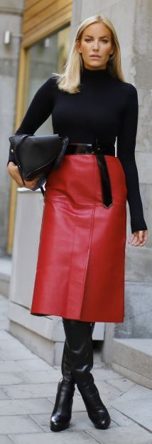 Turtleneck, leather skirt and tall boots - classic winter look ...