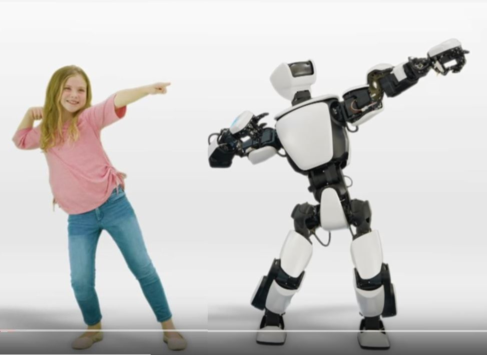 Toyota T-HR3 Humanoid Robot (With images) | Humanoid robot, Robot ...