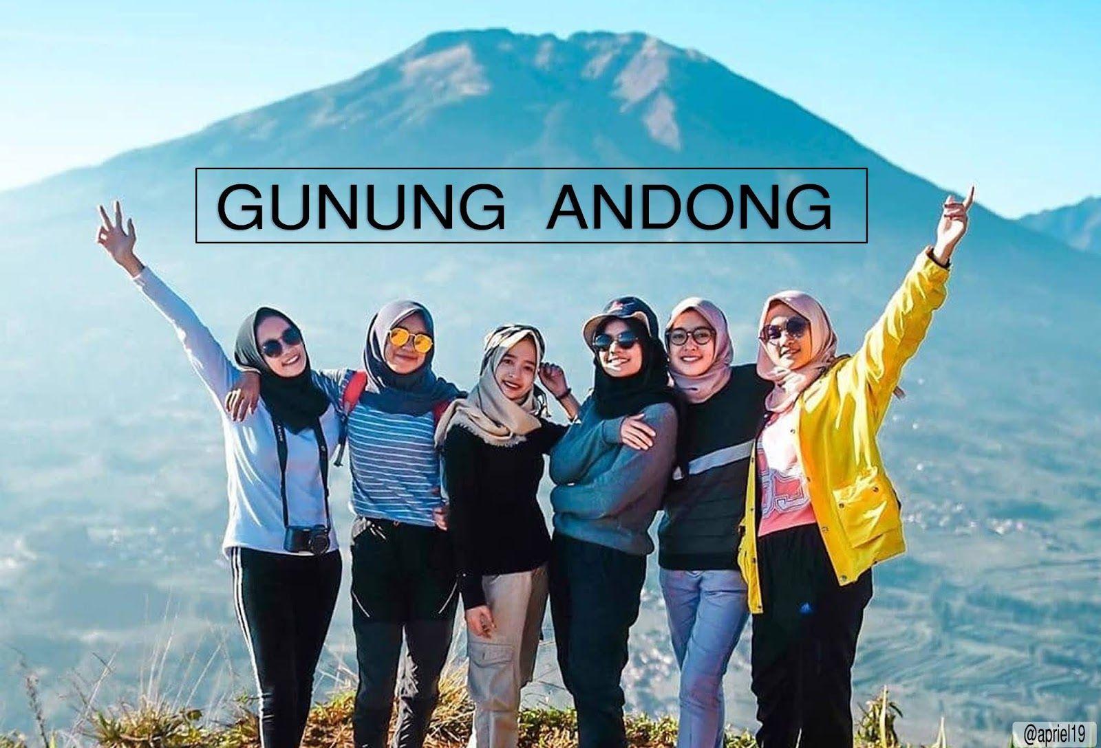 Jawa Tengah Menjadi Salah Satu Provinsi Yang Memiliki Gunung Gunung Indah Ada Banyak Gunung Di Jawa Tengah Dan Saling Berdampingan Sehing Di 2020 Alam Andong Magelang