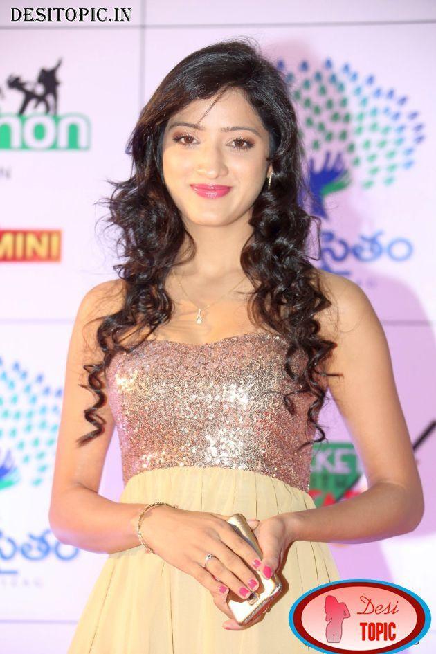Actress Richa Panai at Memu Saitham Dine with Stars