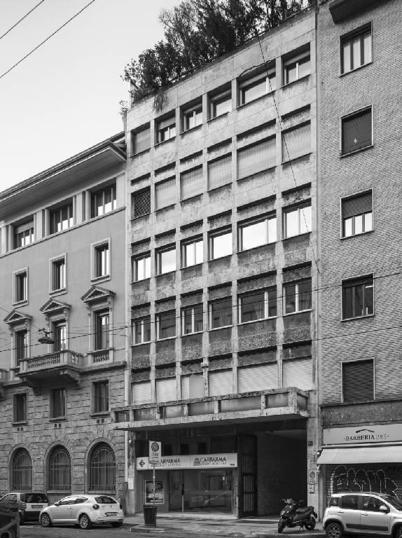 Edificio per abitazioni e uffici in via broletto 37 for Uffici attrezzati milano