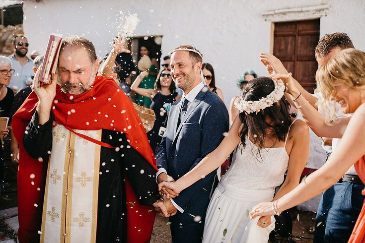 14 Greek Wedding Traditions You Need To Know In 2020 Greek Wedding Traditions Greek Wedding Greek Wedding Theme