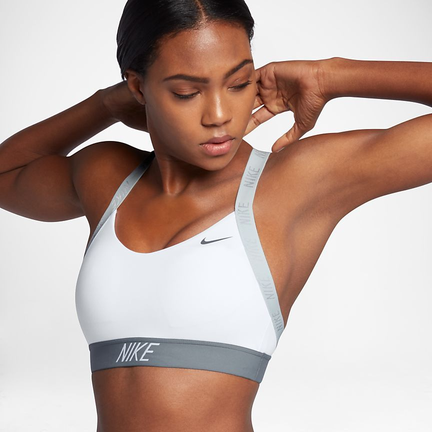 Mejorar entrevista Cielo  Nike Indy Logo Back Women's Light Support Sports Bra | Sports bra, Nike  sports bra collection, Medium support sports bra